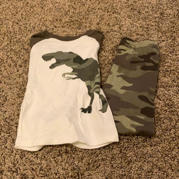 Boys size 4t pajama set